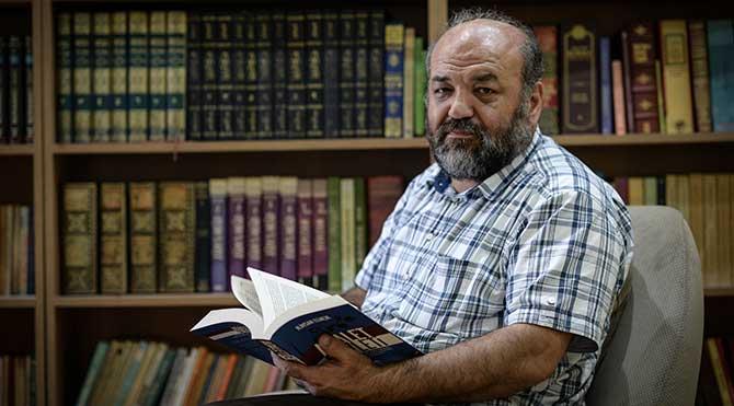 Yazar İhsan Eliaçık'a hapis cezası verildi