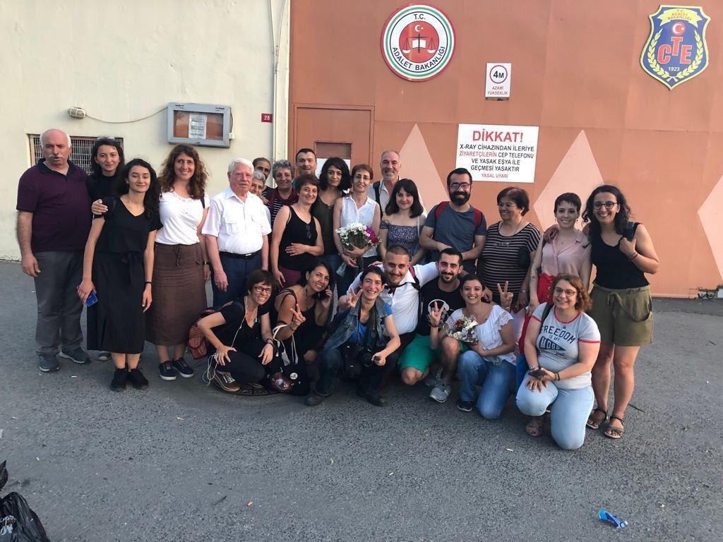 Semiha Şahin ve Pınar Gayıp ev hapsi tedbiriyle tahliye edildi